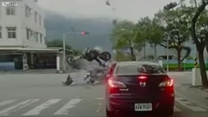 Ridiculous bike crash